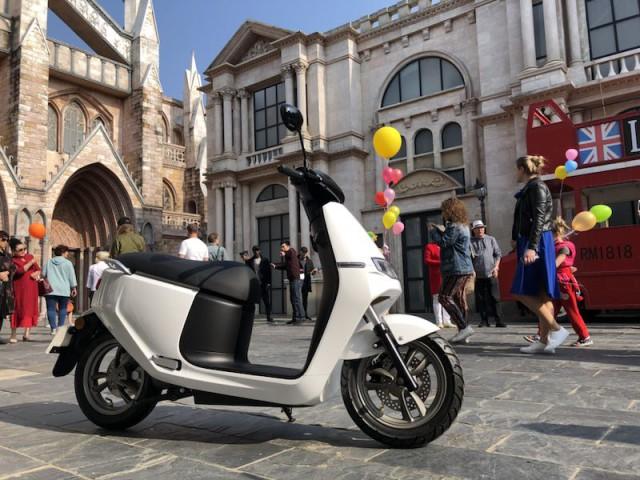 ecooter-e2-weiss Rock-e-Roller - Produkte - Ecooter E2