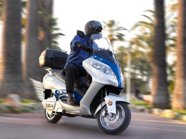 scooter-cannes-1 Rock-e-Roller - Produkte - Trinity Jupiter